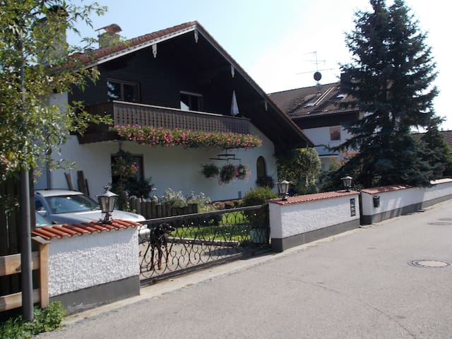 Bruckmühl的民宿
