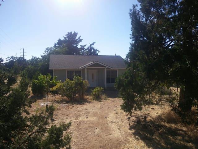 Tehachapi的民宿
