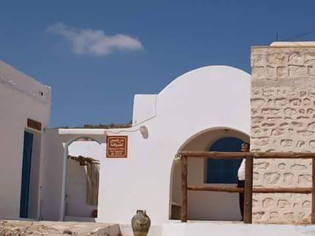 Beni Khedache的民宿