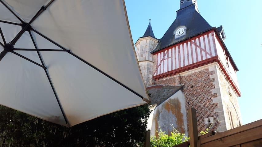 Saint-Fargeau的民宿