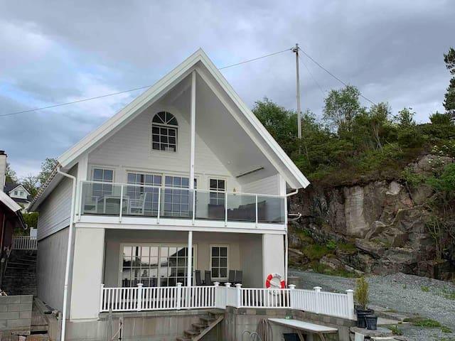 Sæbøvik - Halsnøy的民宿