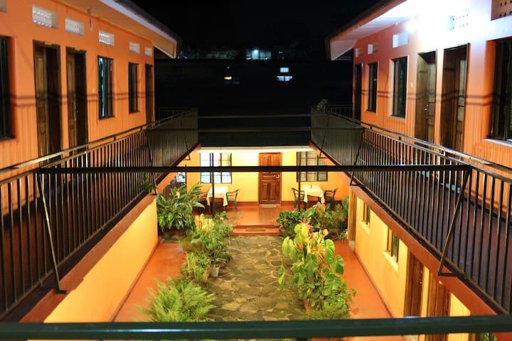 Fort Portal的民宿