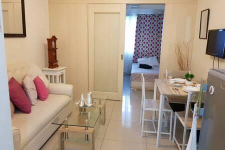 Cozy Condo Hotel in the heart of Makati City