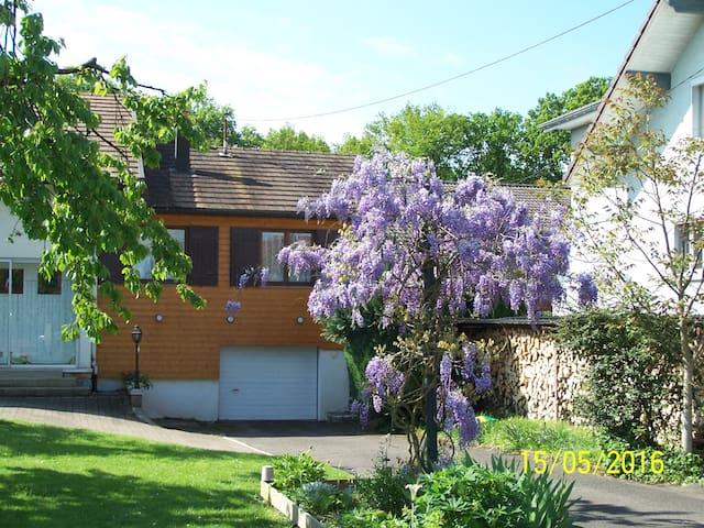 Courcelles-lès-Montbéliard的民宿
