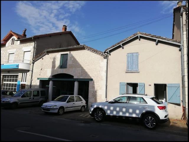Montpezat-de-Quercy的民宿