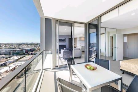 Stilish one bedroom unit - all amenities / netflix