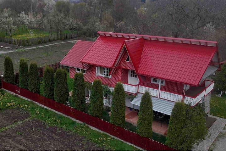 Brebu Mănăstirii的民宿
