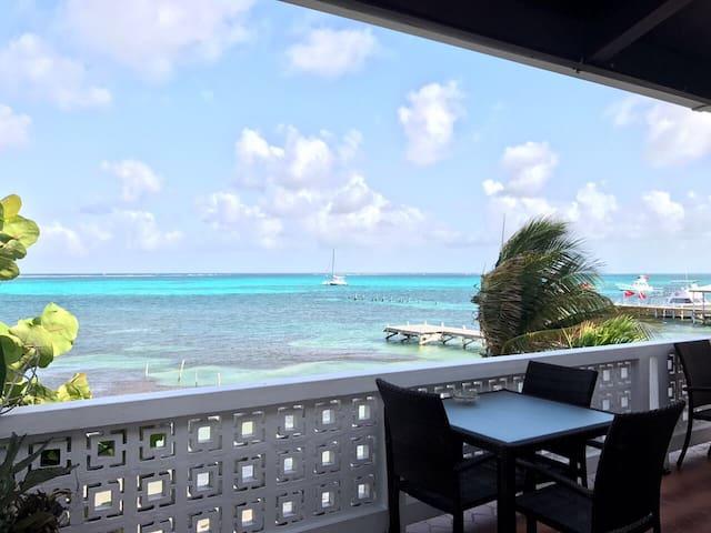 Relaxing & Stylish Beach House.