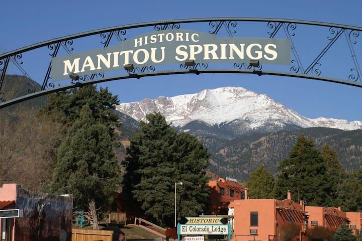 Manitou Springs的民宿