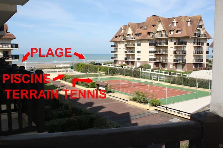 ACCES DIRECT à la plage, piscine, terrain 2 tennis