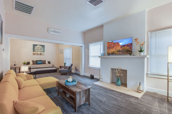 DOWNTOWN, 1 mile to UTEP & SUNBOWL 2 QUEEN BEDS