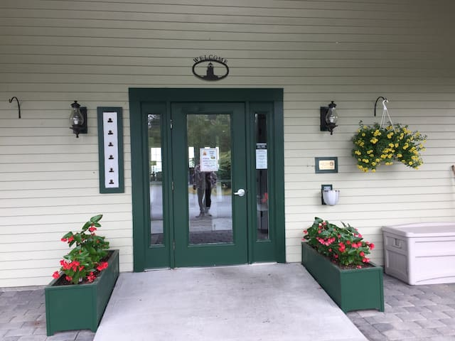 2 bedroom condo at Harbor Ridge Resort