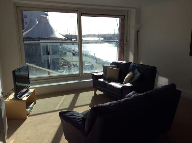 Ipswich's Chic Orwell Waterfront Apartment