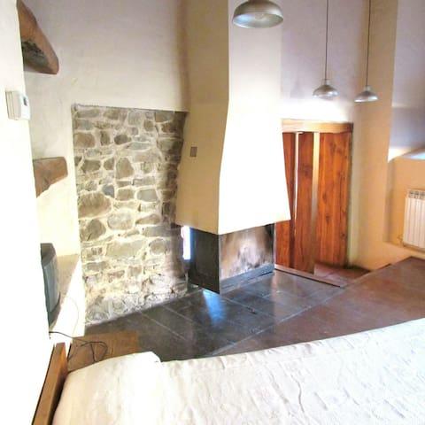 Casa Arroyo en la montaña leonesa