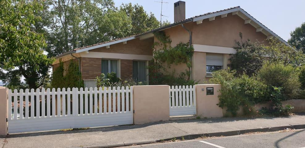 拉蒙维尔圣阿尼 (Ramonville-Saint-Agne)的民宿