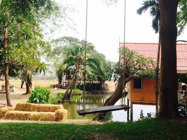 Mueang Lop Buri District的民宿