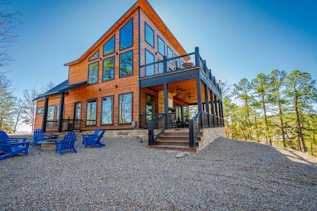 BRAND NEW Mountain Top Luxury Cabin Sleeps 20!