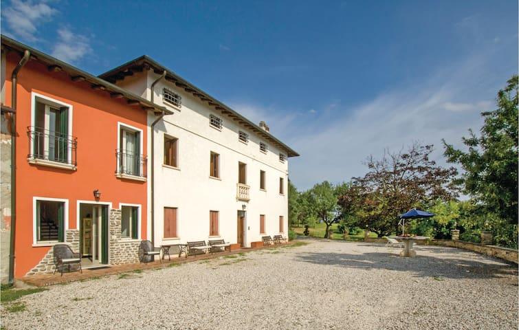 Isola Vicentina VI的民宿