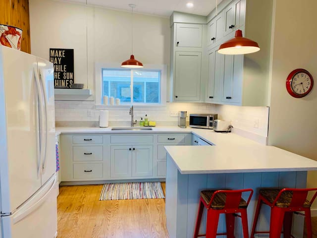 2 Modernized Cottages; Steps from Beach; Game Room