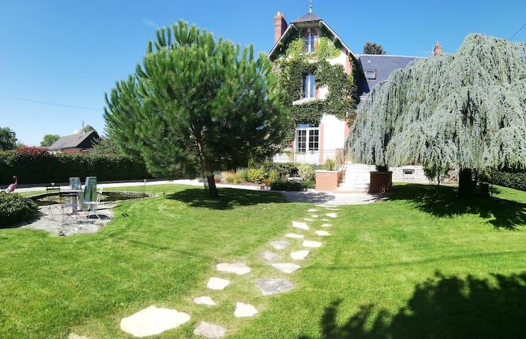 Châteauneuf-sur-Loire的民宿