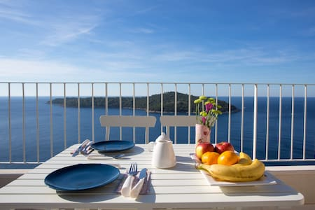 Morning View Apartment - Sea View & Free Parking