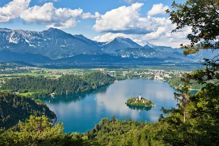 Guidebook for Lake Bled and Slovenia