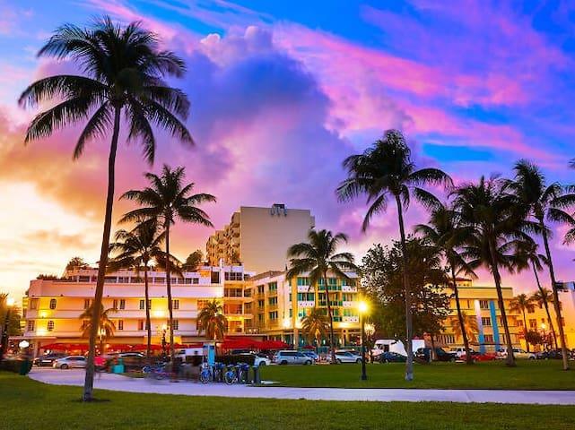 Miami Beach Guidebook (2020)