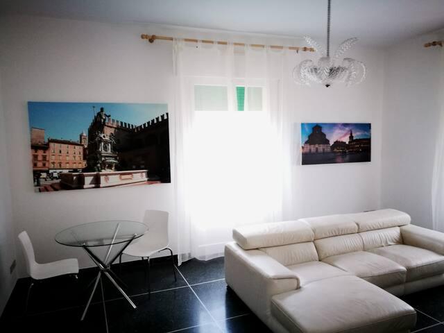 Castel San Pietro Terme的民宿