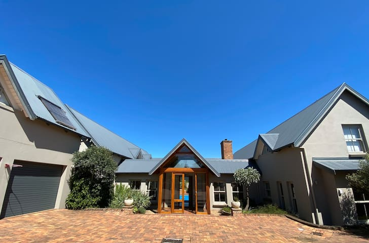 258 John King Lane, Gowrie Farm Golf estate
