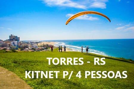 Kitnet 01 ar-cond. Split/Wi-Fi *acomoda 4 pessoas*
