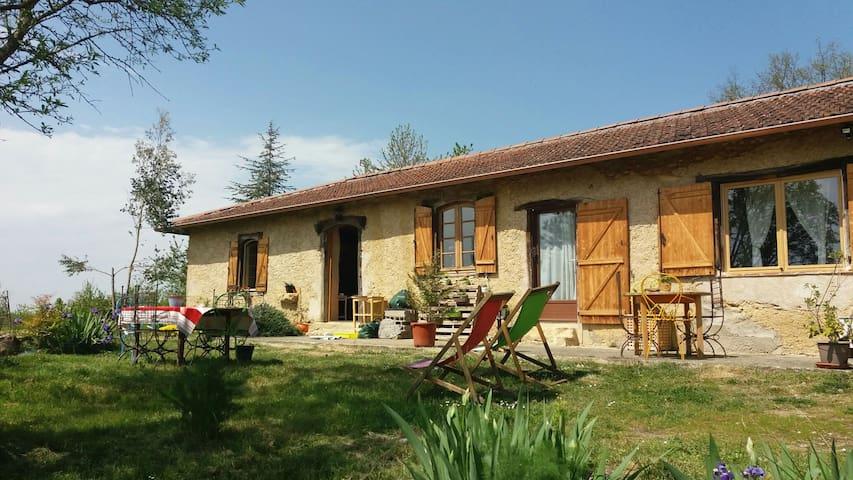 Lamazère的民宿