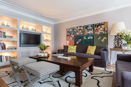 Fancy Designer Flat on Saint-Honoré
