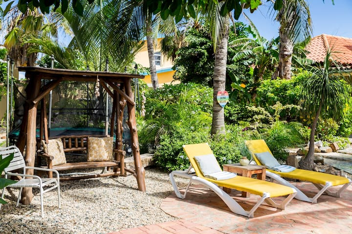 Garden suite close to Marritto,most booked room