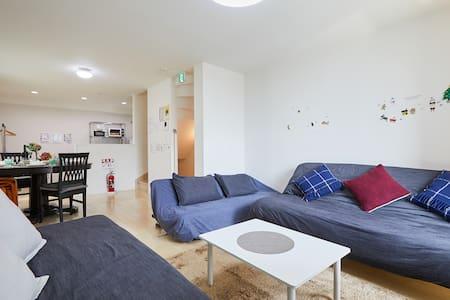 新建漂亮的独立的房屋包租! 从50英寸TV SWITCH 眼前的公交车站到新宿直达!