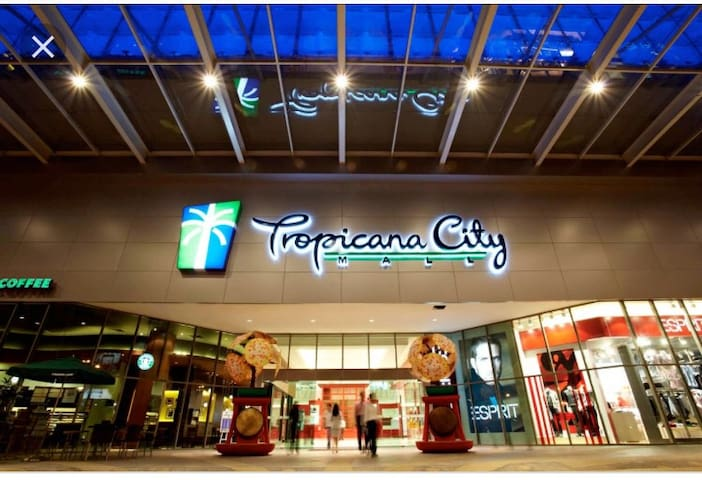 Tropics Tropicana City/ 2 rooms/Petaling Jaya /SS2