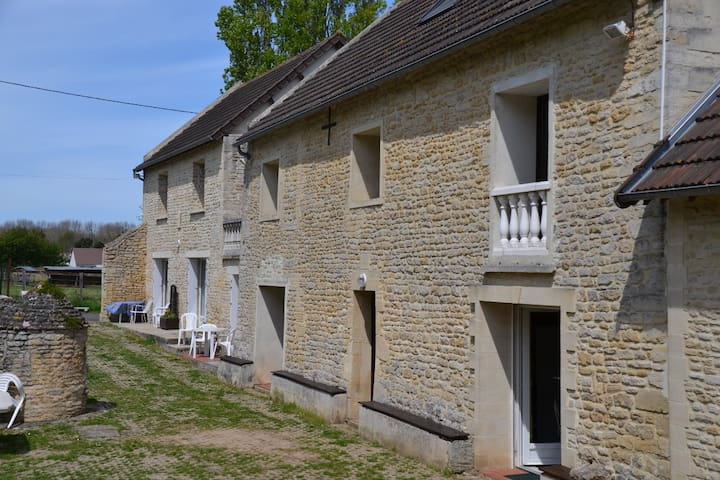 Graye-sur-Mer的民宿