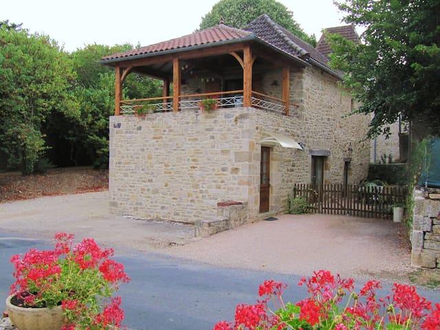 Saint-Michel-de-Bannières的民宿