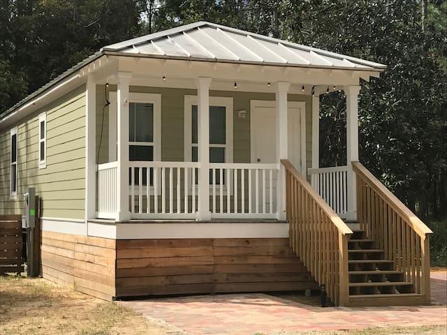 Walton Woods Green Cottage