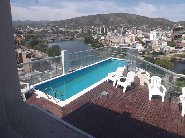 卡洛斯帕斯镇 (Villa Carlos Paz)的民宿