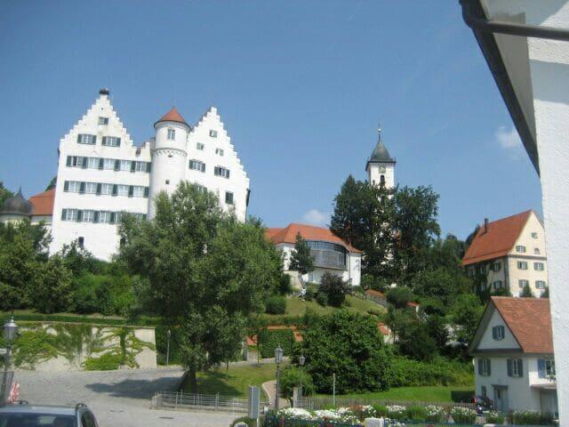 Aulendorf的民宿