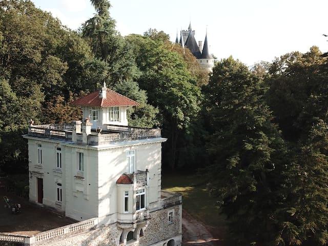 Vouneuil-sur-Vienne的民宿