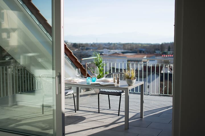 Luxuriöses Wohnen mit herrlichem Alpenblick !
