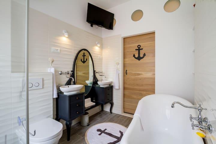 CAPTAIN of Zadar #by the seaorgan #deluxe suite