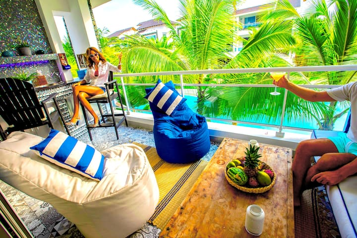 5★ SUITE54 with private Bar & BBQ, Wifi & Netflix