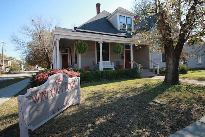 Charming Queen Anne Home in Historic District
