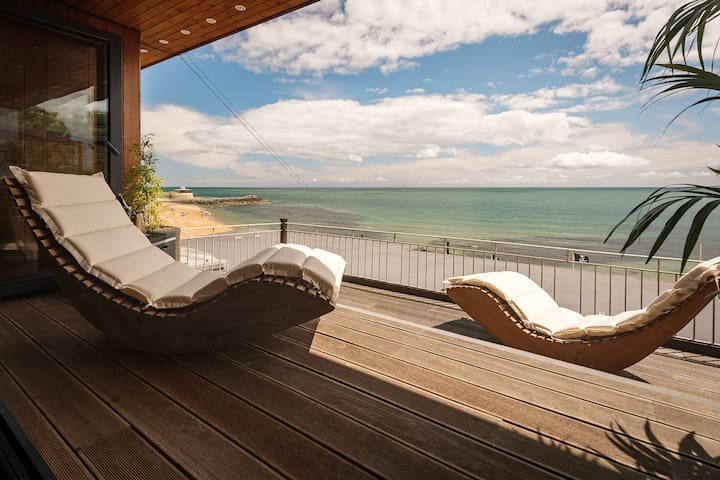 The Ocean Suite, Ventnor Beach (superking bed)