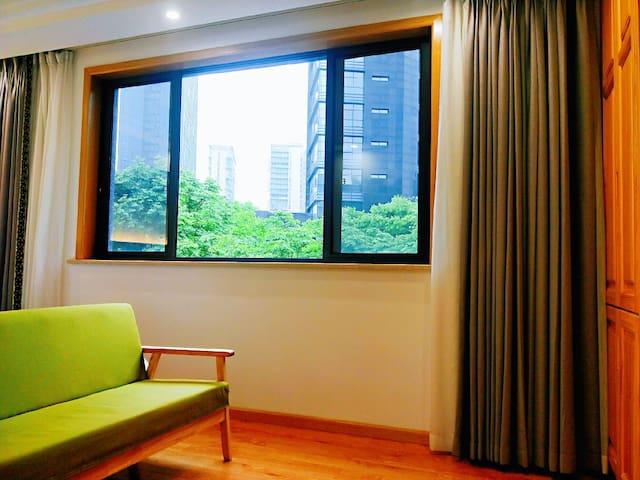 平阳居公寓401房间,位于中国最美县城桐庐