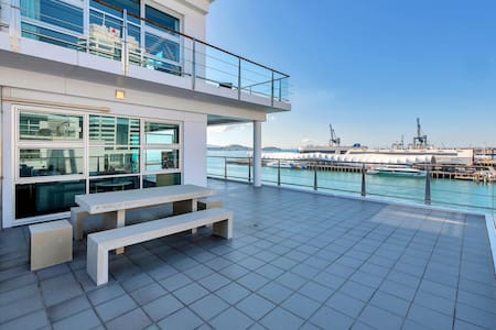 ★Stunning Harbour & City View Studio ★ AIRCON+WIFI