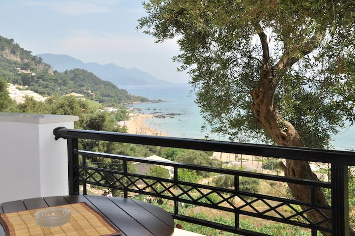 Self catering studios with beautiful sea view.