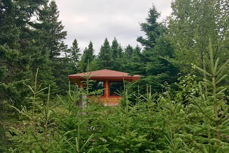 Firefly (Private Rustic Log Cabin-View L Superior)